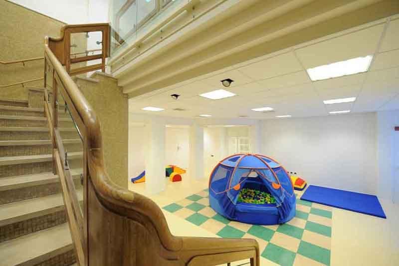 Realizzazione arredo asilo nido petrarca a trento for Catalogo arredi scuola infanzia