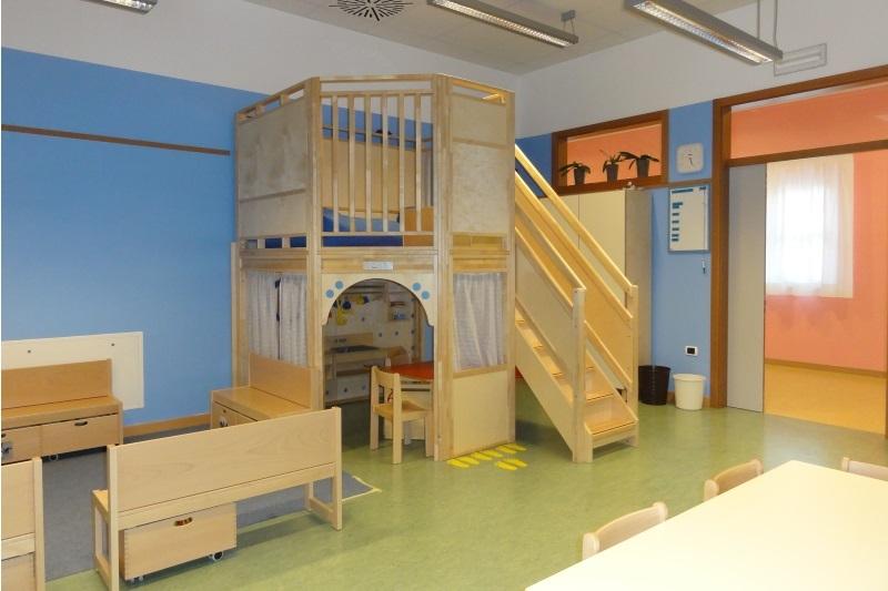 Realizzazione arredo scuola dell 39 infanzia a cadine trento for Catalogo arredi scuola infanzia