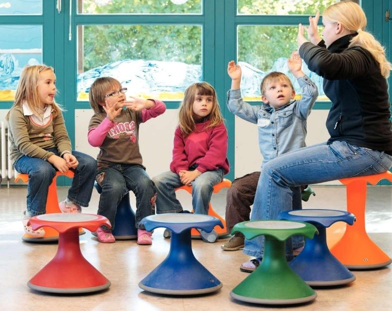 Sgabello hokki per scuole materne giochimpara srl